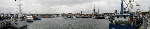 Click here to download wp_gillelejeharbor03.zip